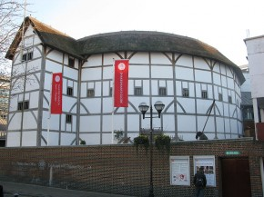Outside view of the Globe Theatre